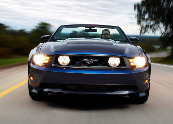 Ford Releases 2010 Mustang, Increase to 315 HP