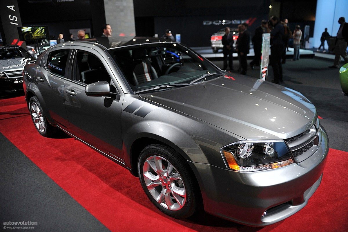 dodge avenger rumored to be replaced with rwd platform street muscle. Black Bedroom Furniture Sets. Home Design Ideas