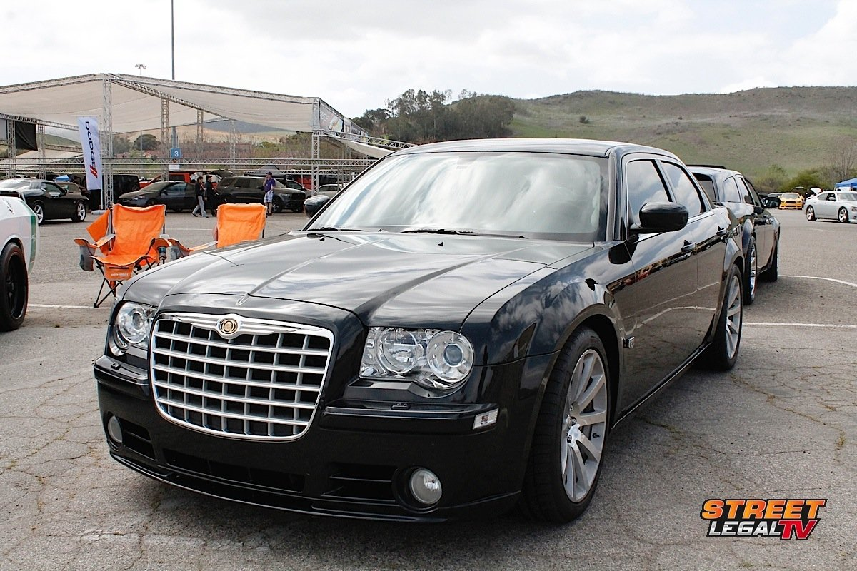 car feature 2006 chrysler 300c srt8 is the ultimate modern sleeper street muscle. Black Bedroom Furniture Sets. Home Design Ideas