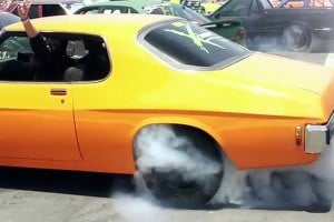 Video: Aussie's Set Guinness Book World Record Burnout