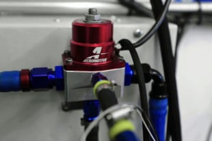 Video: How A Fuel Pressure Regulator Works With EFI University