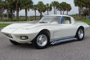 "Crazy, Asymmetrical ""Outer Limits"" Kustom Corvette Is A Killer"