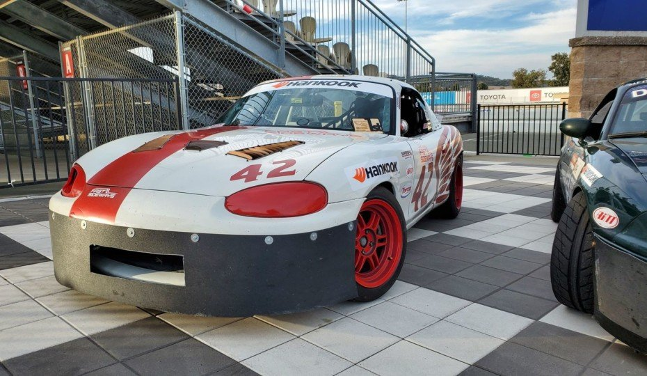 Video: Nik Romano Blitzes Through The Pack In A SuperSpec Miata