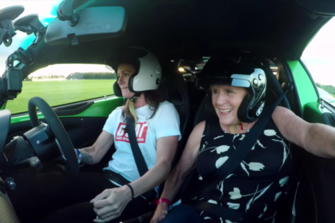 Video: Scaring Mom In A Lotus Exige Cup 430 At Cadwell Park!