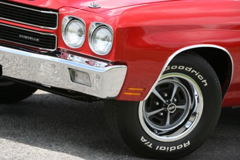 friends-and-family-come-together-to-build-this-awesome-70-chevelle-0029